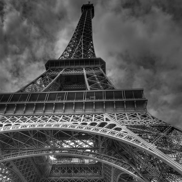 عکس برج ایفل سیاه سفید