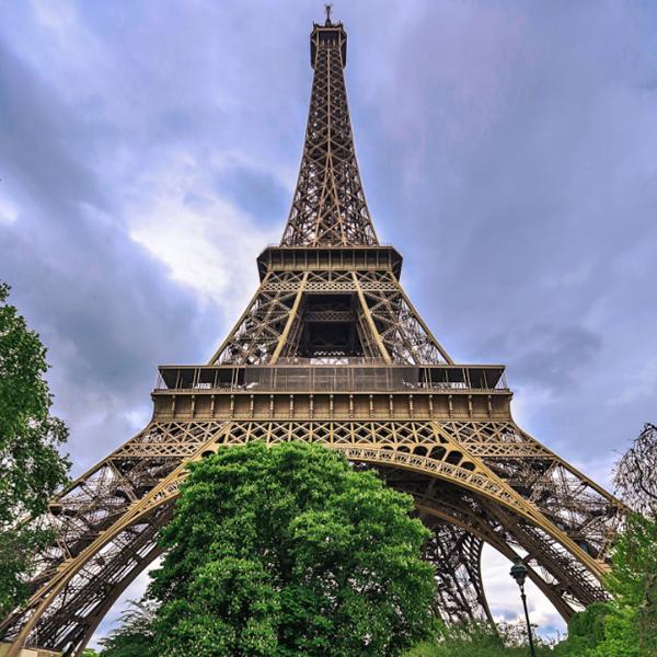 عکس برج پاریس برای پروفایل