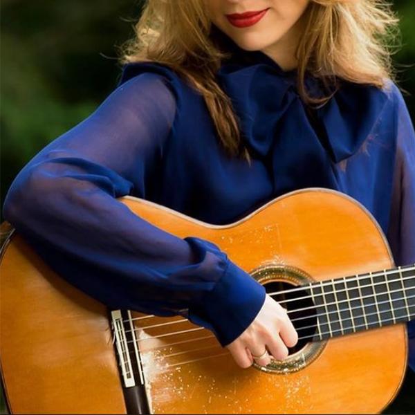 عکس گیتار زیبا دخترانه