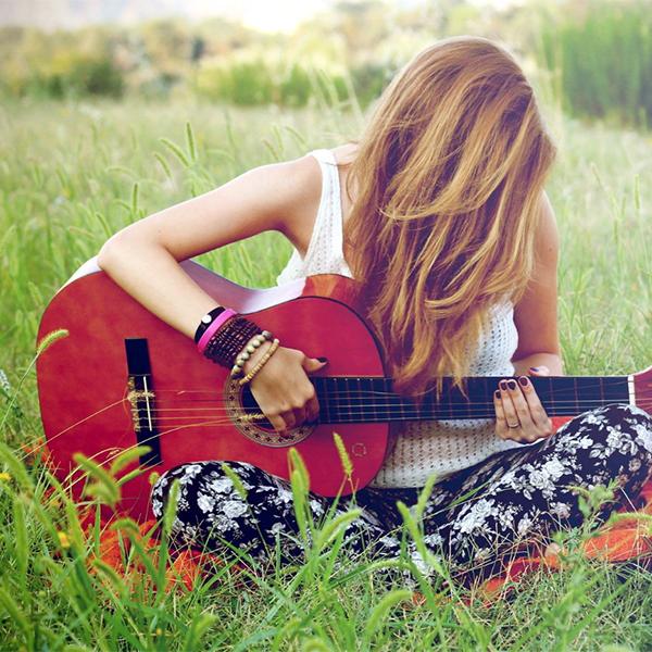 پروفایل گیتار دخترونه