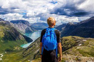 عکس پروفایل پسر در طبیعت